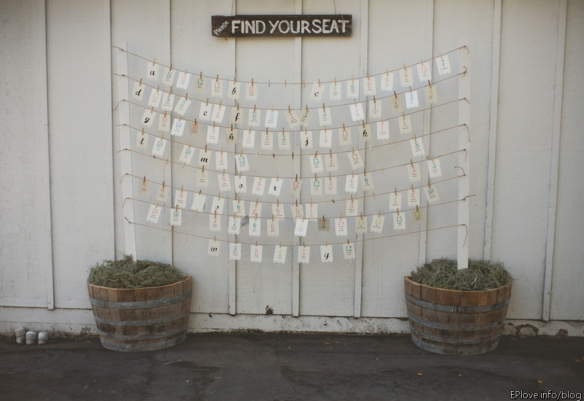 1 escort card display
